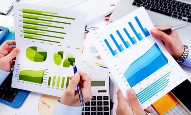 Financial Analyst e1539057810257